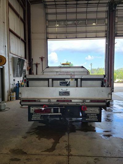 (12c) 2014 Ford F550XL 6.7L Diesel (12K miles) With 10 Ft Boss V Plow, Monore Auger & Spreader