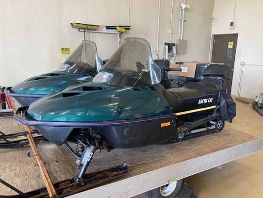 (16) 1996 Artic Cat Panther Snowmobile 440 Fan Cooled (1,672 Miles)